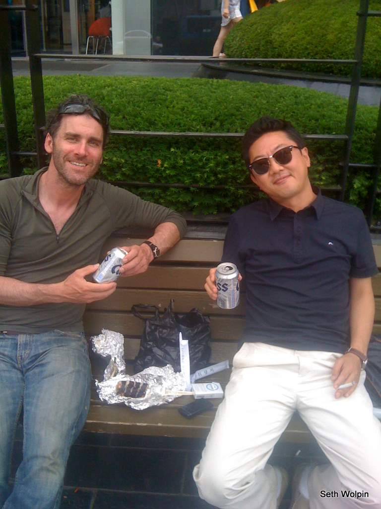 Just like 1995 - beer and kim pab on the streets of Seoul